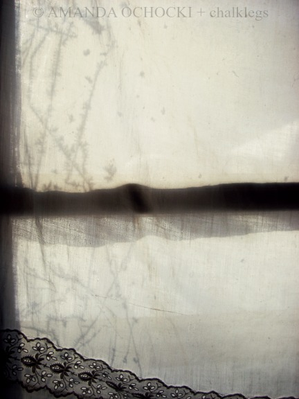 © AMANDA OCHOCKI + chalklegs Frosty studio window at -13