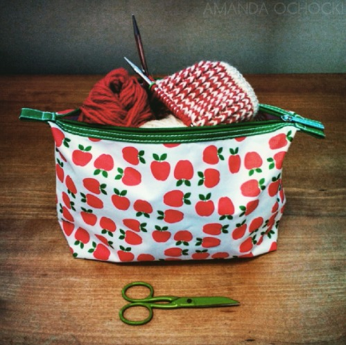 AMANDA OCHOCKI Red & White knitting