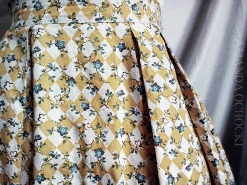 AMANDA OCHOCKI faded apron
